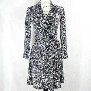 Diane Von Furstenberg Wrap Dress 100% Silk Sz 4